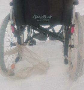 Кресло-коляска,литые колеса.ширина 40.5