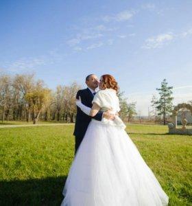 Платье свадебное. Перчатки и кольца в подарок