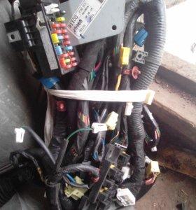 Проводка с коробкой предохранителей Хендей акцент