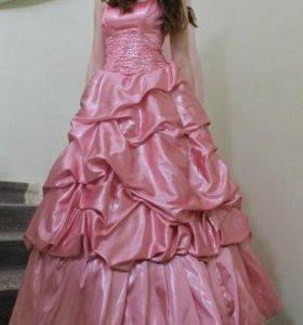 Платье.пышное в пол