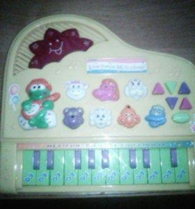 Музыкальная пианино