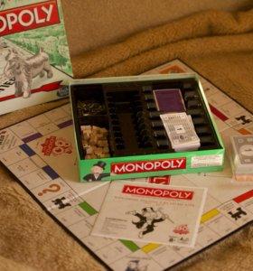 Монополия и две мини игры в комплекте