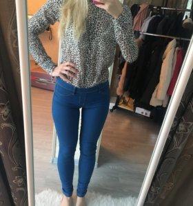 Джинсы и блуза