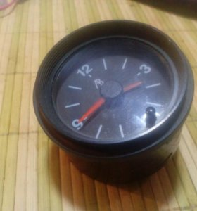 Часы автомобильные