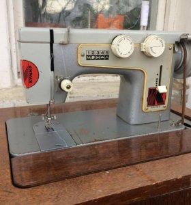 Машинка швейная Чайка-III кл 116-2