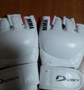 MMA перчатки