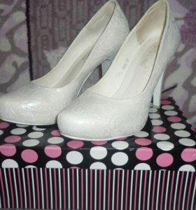 Свадебные туфли 37рр