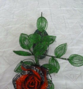 Роза из бисера,в наличии и на заказ