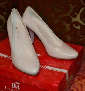 Женские белые свадебные туфли