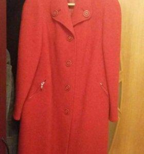 Пальто женское  р. 50-52