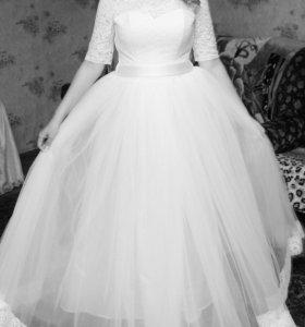 Свадебное платье.Размер 46-48,