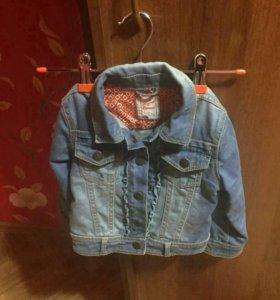 Джинсовая куртка для девочки.