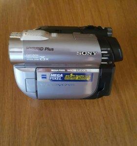 Видеокамера Sony DCR-DVD810