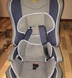 Автомобильное кресло практически новое,раскладное,