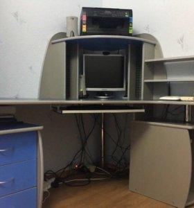 Продаю компьютерный стол, в хорошем состоянии