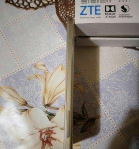 Телефон ZTE V7