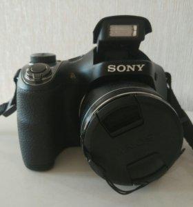 Полупрофессиональный фотоаппарат Sony
