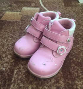 Ботиночки на девочку 24 размер