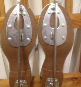 Коньки BOTAS , размер 21, фигурные,белые.