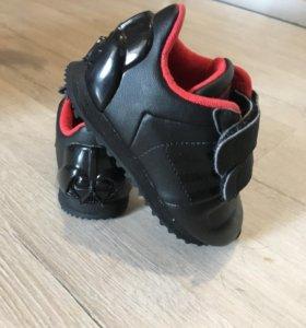 Кроссовки Adidas kids Новые