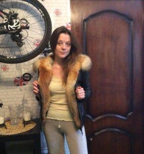 Куртка кожаная с мехом лисицы