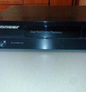 DVD player Pioneer DV-320