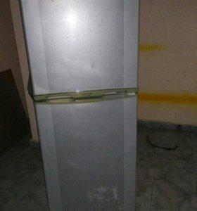 Холодильник б/у Elenberg