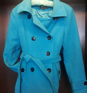пальто красивое в отличном состояние весна-осень