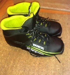 Ботинки лыжные р.38