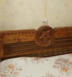Кровать с пентаграммой