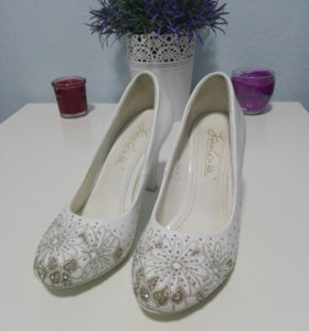 Белые туфли размер 34 - 35