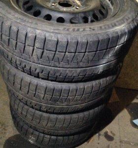 Bridgestone Blizzak Revo GZ 205/55/16
