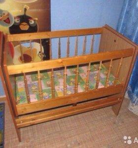Кровать-маятник в подарок два матраса к ней