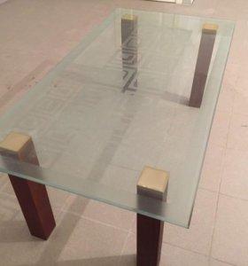 Стол стеклянный журнальный