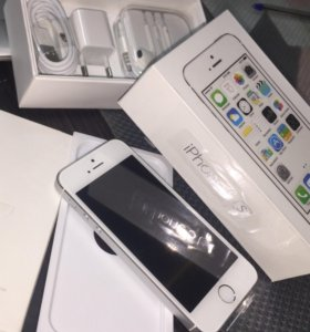 iPhone 5S 32GB silver как новый