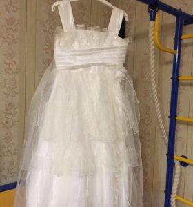 Платье бу, рост 140.