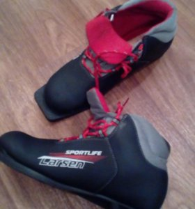 Лыжные ботинки. Larsen.