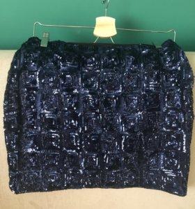 Новая юбка H&M вся в пайетках.