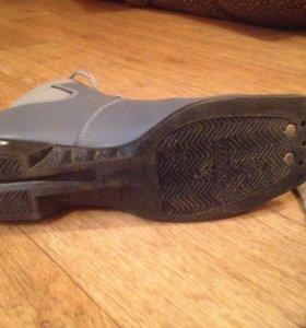 Б/у женские лыжные ботинки 39 размер
