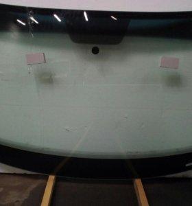 Лобовое стекло Volksvagen Jetta 6  (2010- )