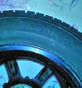 Диски литые р16 5 ,112. Покрышки Yokohama16,205,65