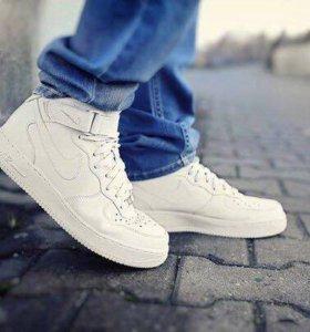 Кроссовки Nike Air Force зимние