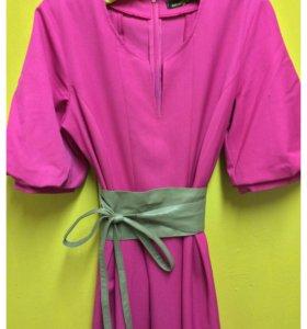 Шикарное платье цвета фуксии!