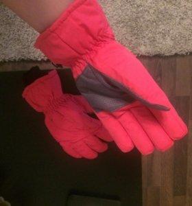 Перчатки для сноуборда, новые.