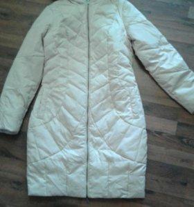 Пальто-пуховик тонкое и легкое