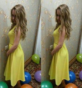Платье Киры пластининой с открытой спиной