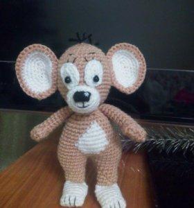 вязаный мышонок (ручная работа)