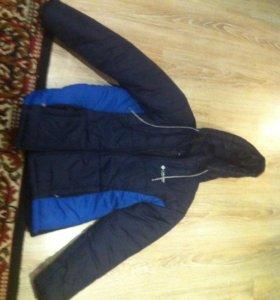 Новая куртка одевано 2 раза подросковая