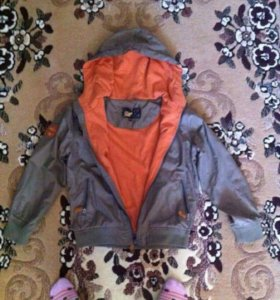 Куртка на мальчика 6-8 лет