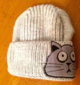Тёплая женская шапка